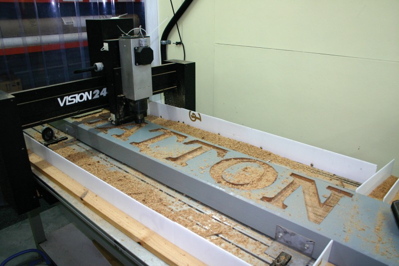 Engraving-route-in-action